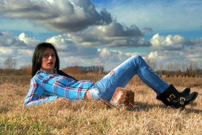 Chociaż praca na polu, czy przy hodowli jest bardzo ciężka, na polskich wsiach nie brakuje pań, które doskonale sobie radzą zarówno na polu, jak i przy