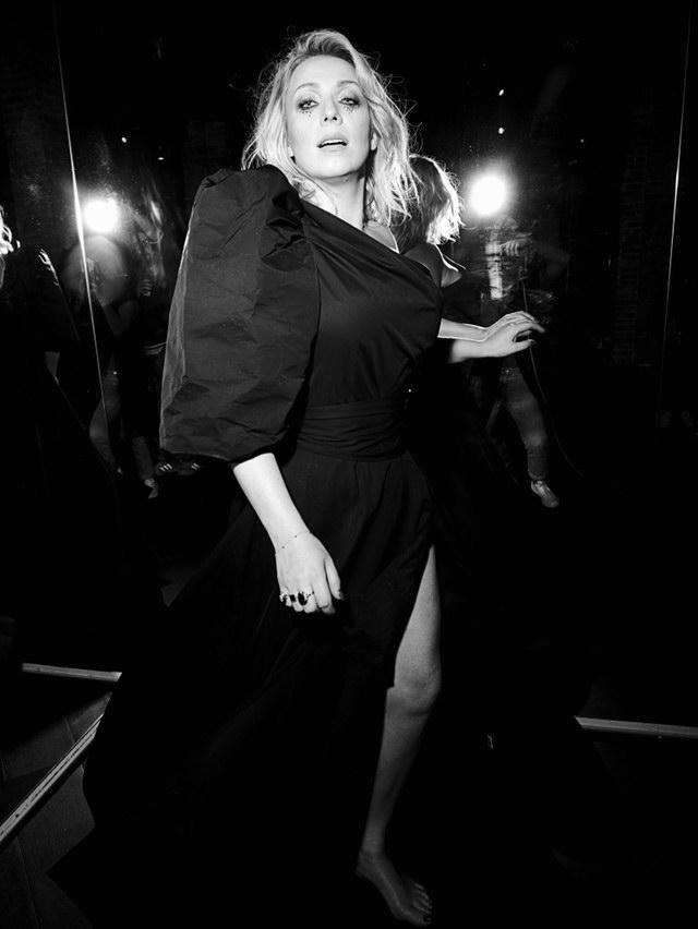 """Kasia Cerekwicka prezentuje klip do piosenki """"Nigdy"""". Singiel promuje nową płytę artystki """"Pod skórą"""" [ZDJĘCIA]"""