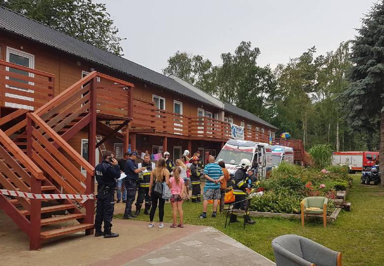 Do wypadku doszło 20 lipca 2017 roku. Wtedy to nagle zawalił się balkon w drewnianym budynku kolonijnym w Międzyzdrojach, gdzie przebywały na koloniach m.in. dzieci z województwa wielkopolskiego.
