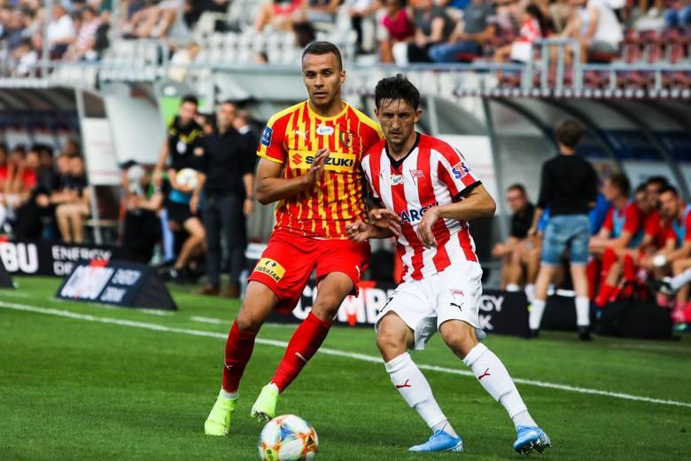 Prawy obrońca. Rumun gra drugi sezon w Cracovii. Jest nie tylko piłkarzem, który świetnie spisuje się w defensywie, ale bardzo pomaga zespołowi w ofensywie.