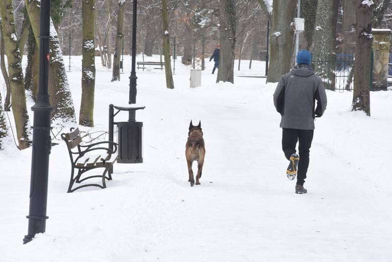 Nagłe załamanie pogody i opady śniegu w kwietniu zaskoczyły mieszkańców.