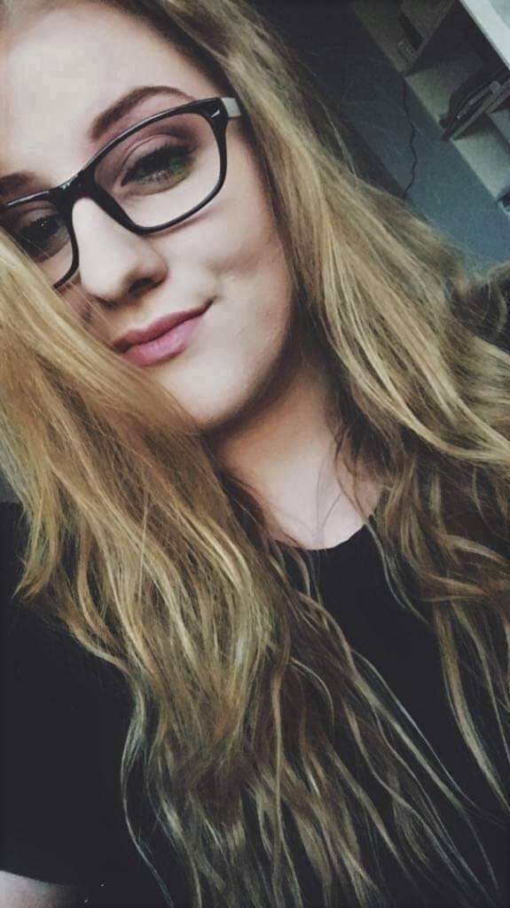 Natalia Wanat (20 lat): Skromność, obowiązki i bezinteresowność<br /> Patriota to człowiek, który w pełni poświęca swoje życie ojczyźnie. W dzisiejszych czasach jest coraz mniej patriotów. (…) W dawnych czasach patriotyzm przejawiał się głównie w tragicznych momentach dla naszej ojczyzny....