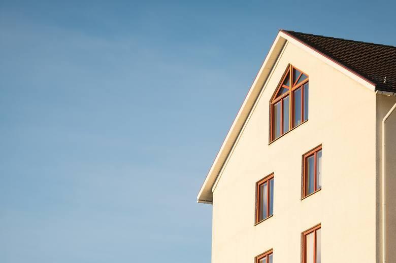 Nieruchomości w 2020 roku - kupować mieszkanie teraz czy poczekać na spadek cen?
