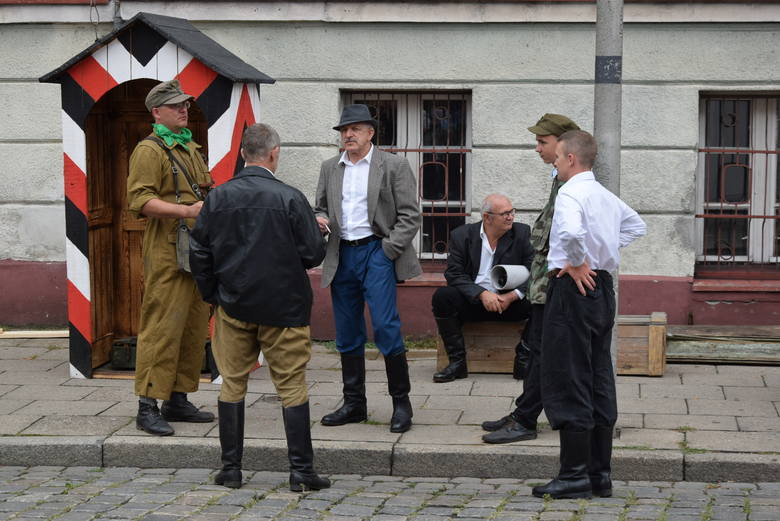 """75 lat temu o godz. 17, czyli o godz. """"W"""" wybuchło Powstanie Warszawskie. Z tej okazji w całej Polsce odbędą się oficjalne uroczystości, którym czasem"""