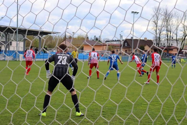 IV liga piłki nożnej. Podsumowanie piłkarskiej majówki w grupie mistrzowskiej i spadkowej