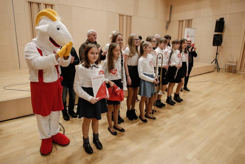 Oto laureaci VI Świętokrzyskiego Konkursu Pieśni i Piosenki Patriotycznej i Żołnierskiej [WIDEO, ZDJĘCIA]