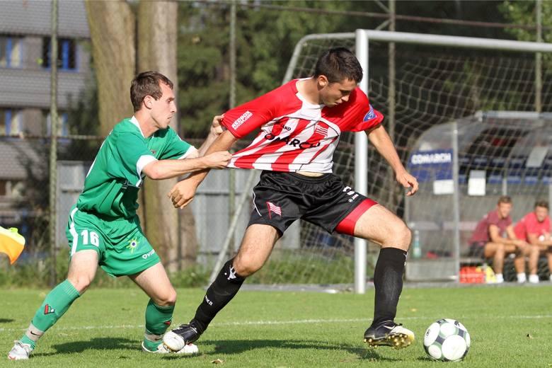 Środkowy obrońca. Milos Kosanovic trafił do Cracovii przed sezonem 2010/2011. Początkowo ustawiany był na lewej obronie, potem jako środkowy. Rozegrał