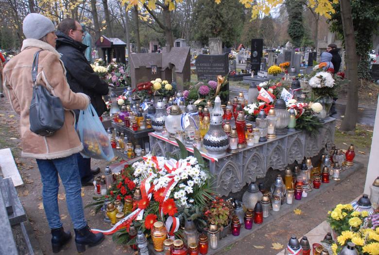 Grób Janusza Kurtyki, byłego prezesa IPN, który zginął pod Smoleńskiem