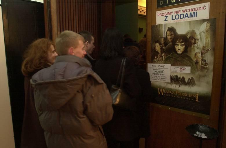 """""""Władca Pierścieni: Drużyna Pierścienia"""" w kinie Pokój - 2002 rok"""