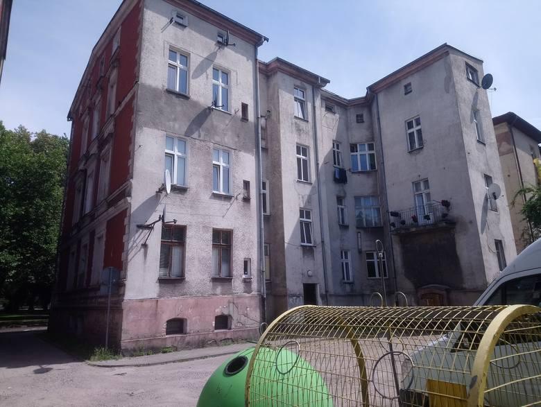 Mieszkanie - Lokal mieszkalny Nr 9-9a położony na poddaszu w budynku przy ul. Szarych Szeregów 5 o powierzchni użytkowej 77,75 m2 z dwoma pomieszczeniami