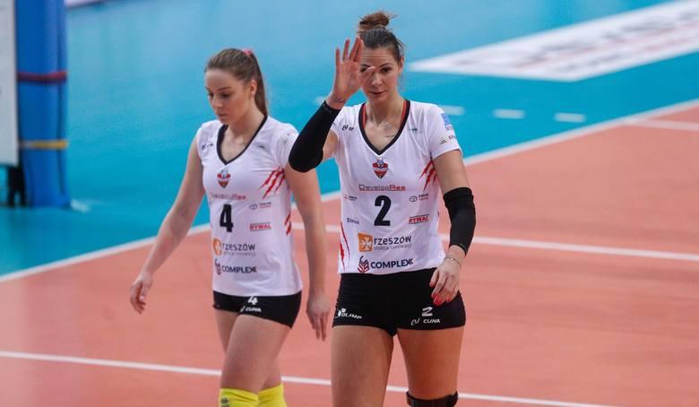 Gabriela Polańska zaczynała przygodę z siatkówką w AKS-ie V LO Rzeszów, potem grała w Muszyniance Muszyna, Farmutilu Piła, BKS-ie Bielsko-Biała,, Budowlanych