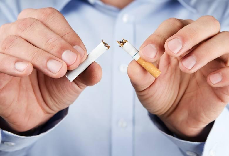 Rzuć papierosy lub umieraj - taki wybór daje palaczom polski rząd. I w świecie zauważyli trzecie wyjście