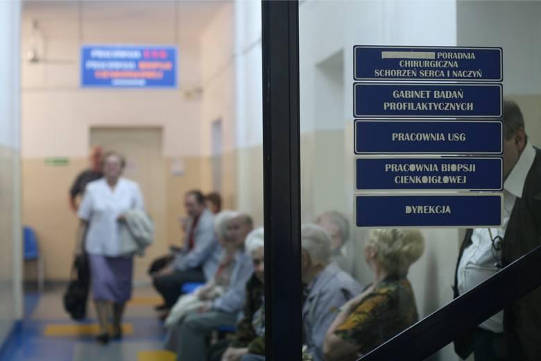 Sprawdziliśmy na stronie Narodowego Funduszu Zdrowia, ile trzeba czekać na wizytę u lekarza. Wiele wizyt może się odbyć niemal bez kolejki lub oczekiwanie