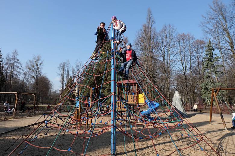 Drugie tyle ukraińskich dzieci może dostawać 500+ w pozostałych, prawie dwustu miastach i gminach regionu.  Pamiętać należy, że Łódź to największe skupisko