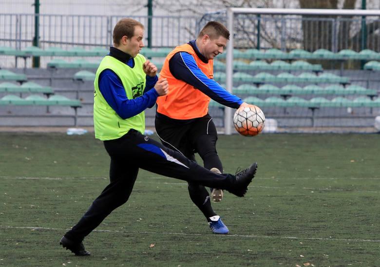 Tradycyjnie punktualnie w południe w Nowy Rok odbył się trening zawodników i przyjaciół Pomorzanina. Pierwszą bramkę w regionie strzelił Paweł Szymański.Pierwsza