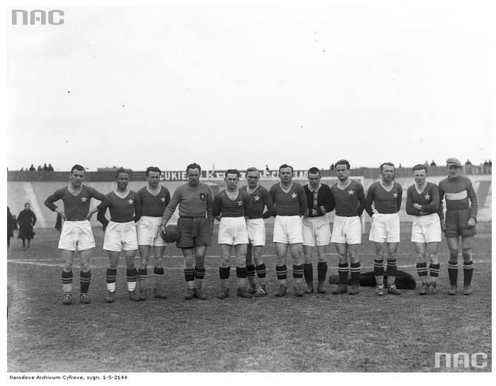1928: 5:0 z Klubem Turystów Łódź1929: 5:0 z Klubem Turystów Łódź1934: 5:0 z Cracovią1935: 5:0 z Legią WarszawaNa zdjęciu: drużyna Wisły w 1935 roku