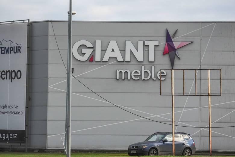 Poznań czeka kolejny - i nie pierwszy - proces ze spółką Giant, która pozwała także magistrat za bezumowne korzystanie z rur wodociągowych na swoim terenie
