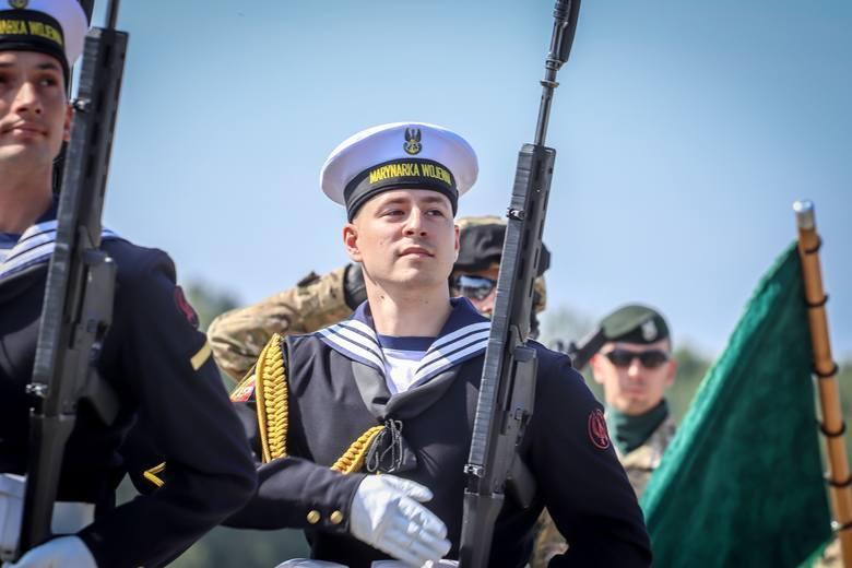 Żołnierze na ćwiczeniach przed defiladą wojskową w Katowicach
