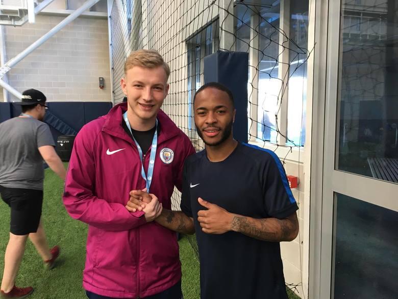 Piłkarski talent wcale nie musi biegać po boisku. Jakub Bokiej robi karierę w Anglii. Założył Polish Football Academy [GALERIA]