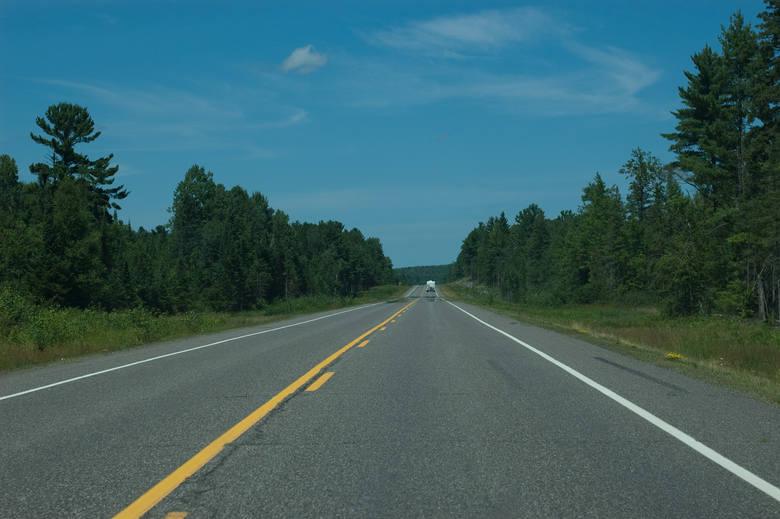 Za długi zbuduje drogi. Niezwykły pomysł wójta PiekoszowaWójt gminy Piekoszów chce, by zadłużona firma zbudowała betonowe drogi.