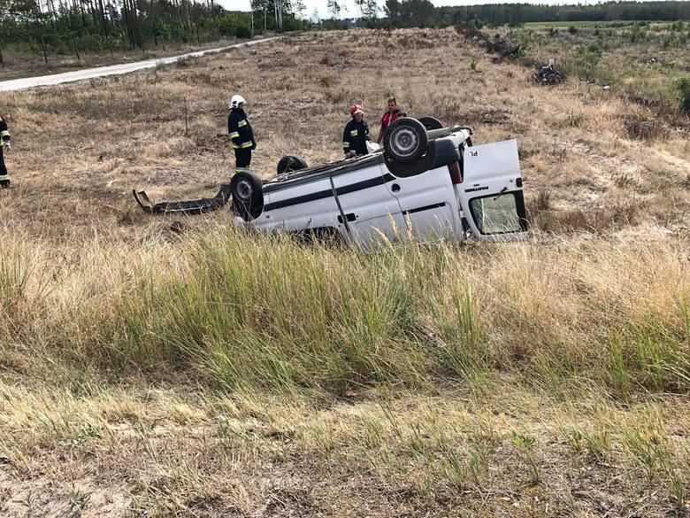 Do wypadku na trasie Paterek - Kcynia doszło dziś, około godz. 10.04. W wypadku uczestniczyły dwa pojazdy. Na miejscu pracują policjanci. Obecnie droga