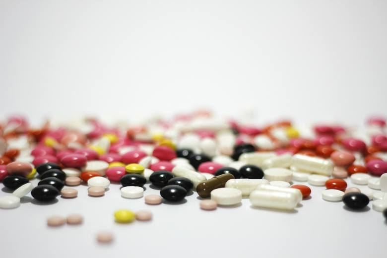 Antybiotyki należy przyjmować o wyznaczonej godzinie przez cały czas trwania terapii, ponieważ na ich działanie wpływ ma stężenie substancji leczniczych