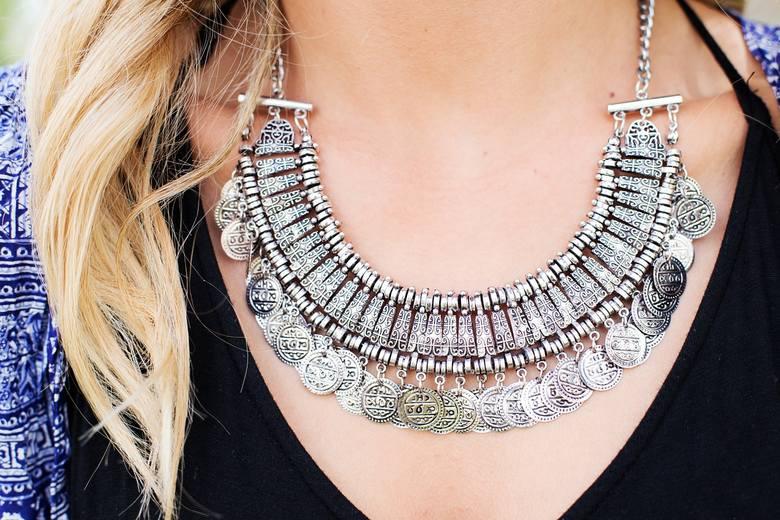 <strong>Biżuteria</strong><br /> To coś wyjątkowego dla Niej. Kobiety uwielbiają biżuterię. Z pewnością piękny naszyjnik, pierścionek czy kolczyki będą strzałem w dziesiątkę.<br />