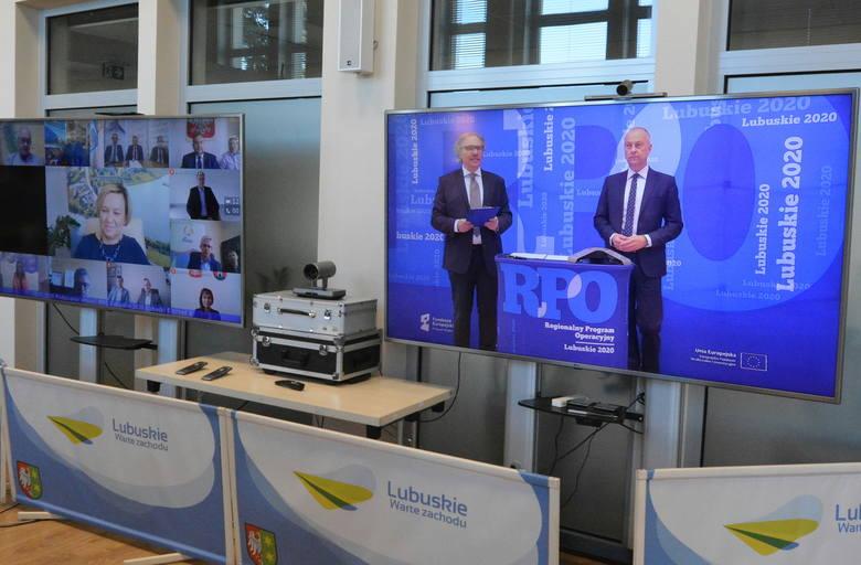 """Dzięki Funduszom Europejskim sprawy urzędowe załatwisz elektronicznie.  Umowa na realizację projektu """"Lubuski e-Urząd II"""" już podpisana"""