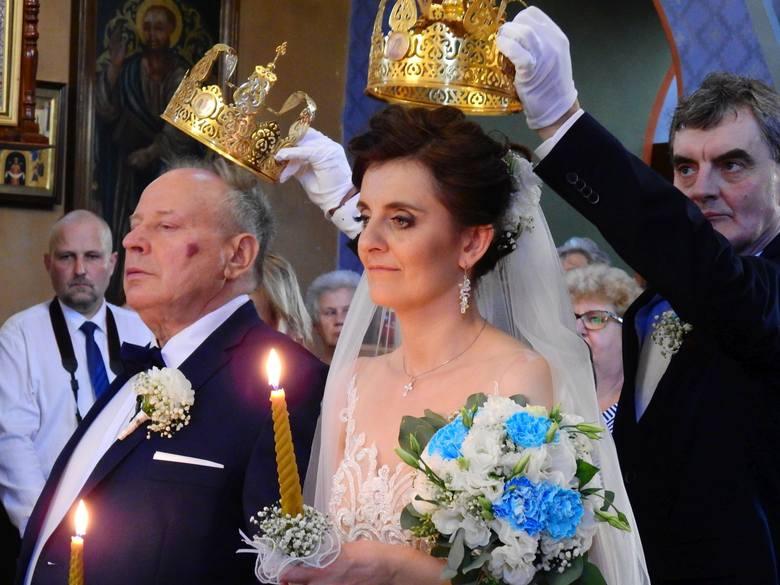 """W piątek 21 września w cerkwi w Mielniku wybrance swego serca """"tak"""" powiedział Mikołaj Korol, właściciel winnicy, który zasłynął ze"""