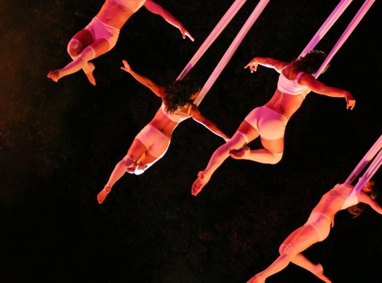 Na Błoniach Nadwiślańskich wystąpi hiszpańska grupa teatralna Voala Company, która łączy latanie wraz z muzyką na żywo. Będzie to najbardziej spektakularne