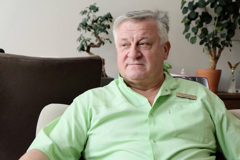 Prof. Bogusław Kędra jest nadwornym chirurgiem świadków Jehowy