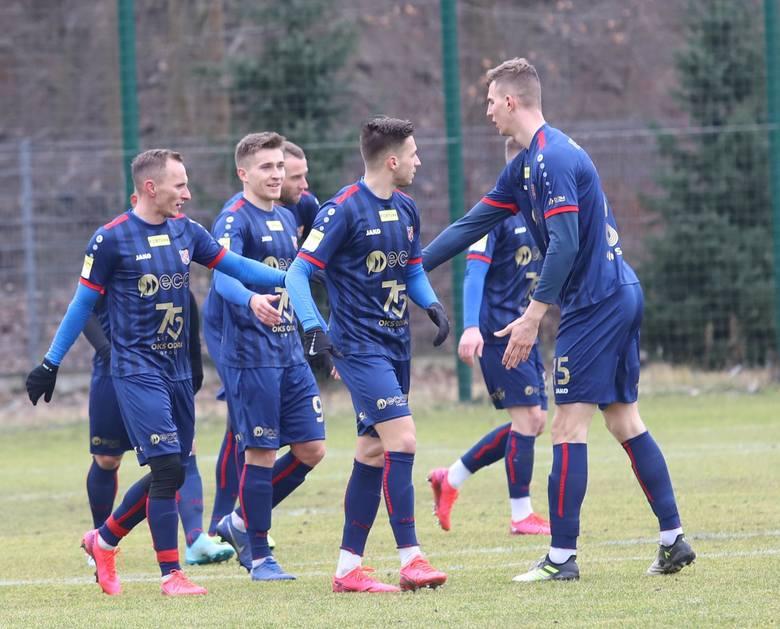 Do 2 ligi zostałaby wysłana Odra Opole. Drużyna Dietmara Brehmera spadłaby z szesnastego miejsca w Fortunie 1 Lidze, akurat po wygranej z piętnastym
