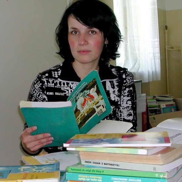 - Warunkiem wydania podręczników, jest skierowanie z MOPS - mówi Małgorzata Cebula.