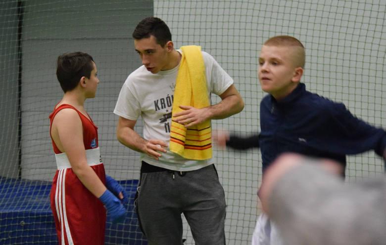 Klub Sportowy Budo Krosno zorganizował Mistrzostwa Województwa Podkarpackiego w Boksie Olimpijskim. Walki rozegrano w hali Państwowej Wyższej Szkoły