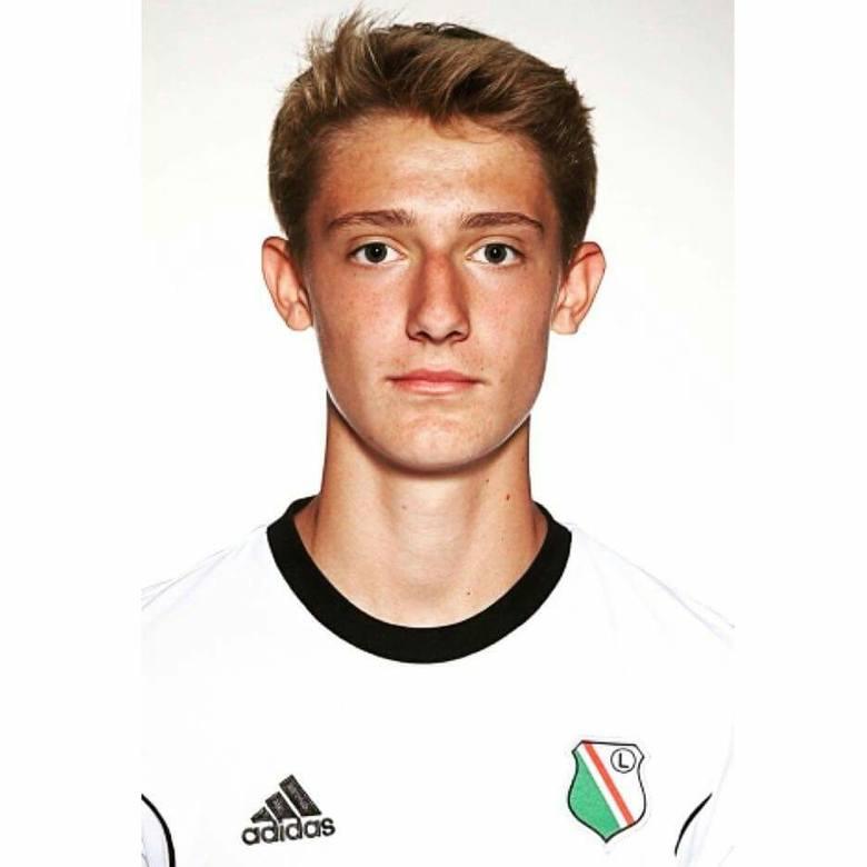 Kacper Ostrowski wciąż jest piłkarzem Legii Warszawa
