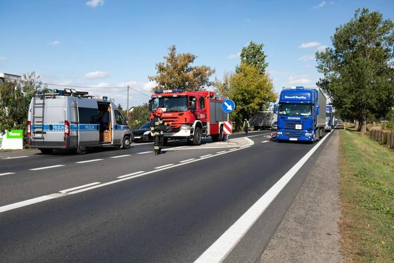 W środę, około godz. 12, doszło w Osielsku, na Szosie Gdańskiej, do karambolu. Zderzyło się sześć samochodów osobowych i ciężarówka.Jak przebiegało zdarzenie?