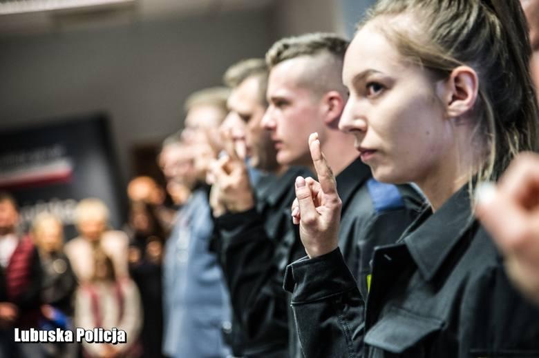 Szeregi lubuskiej policji zasilili kolejni stróże prawa, którzy z powodzeniem przeszli wszystkie etapy postępowania rekrutacyjnego. W środę (25 września)