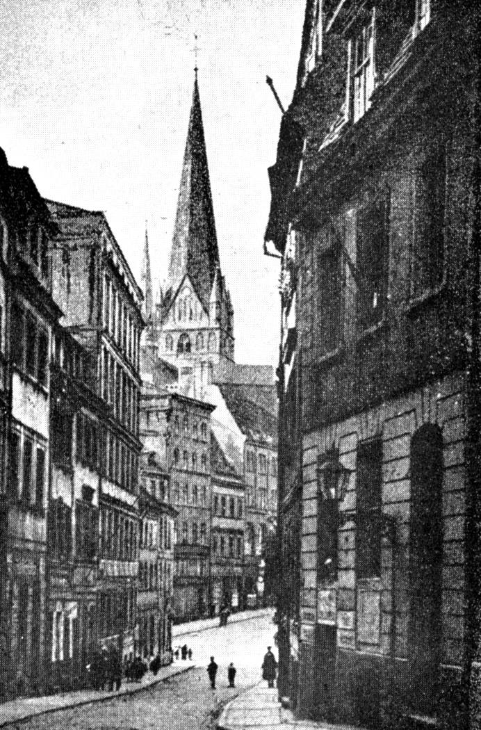 Widok na kościół od strony ulicy Grodzkiej
