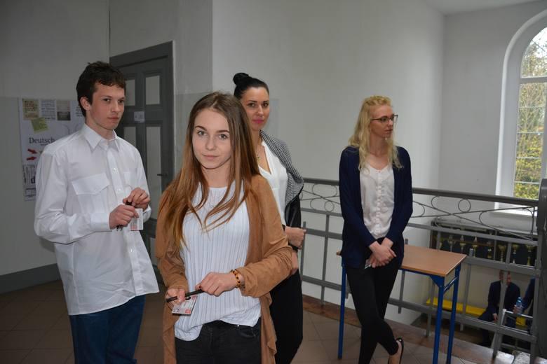 22 maturzystów z Zespołu Szkół im. J.H. Dąbrowskiego w Sławnie przystąpiło do matury 2017 z języka polskiego. To pierwszy z sześciu obowiązkowych egzaminów.