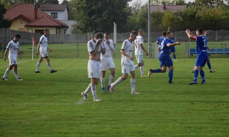 Sensacyjne zwycięstwo w Orońsku odniosła Mogielanka Mogielnica. Ekipa Sylwestra Sokoła przegrywała do przerwy 0:1, ale w drugiej połowie dwukrotnie skutecznie