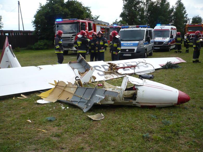 Wczoraj, przed godz. 16, służby ratownicze z Krosna zostały powiadomione o wypadku szybowca. Wstępnie ustalono, że 56-letni pilot-uczeń szybowca, podczas