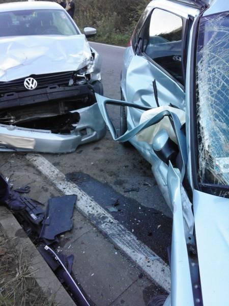 Rożnów. Zderzenie trzech samochodów. Nie żyje jedna osoba [ZDJĘCIA]