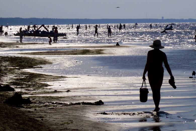 Jurmała. Płytkie morze i długie plaże to idealne miejsce na wypoczynek, szczególnie dla rodzin z dziećmi.