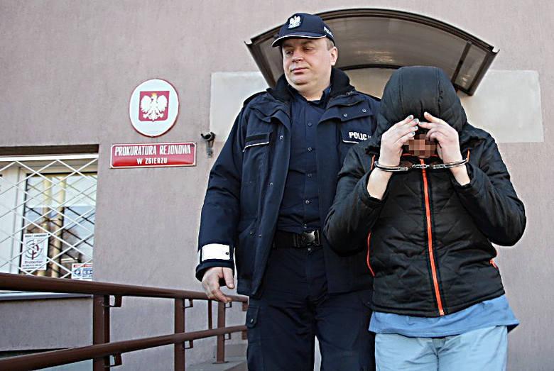 O tę porażającą zbrodnię prokuratura oskarżyła 30-letnią matkę i 61-letniego mężczyznę, u którego kobieta mieszkała, ale który nie jest ojcem. Sąd uwzględnił