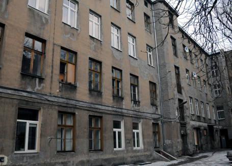 Kamienicę przy ul. Kilińskiego 36 opanowało robactwo.