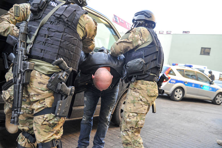 handlarze narkotyków, akcja antyterrorystów