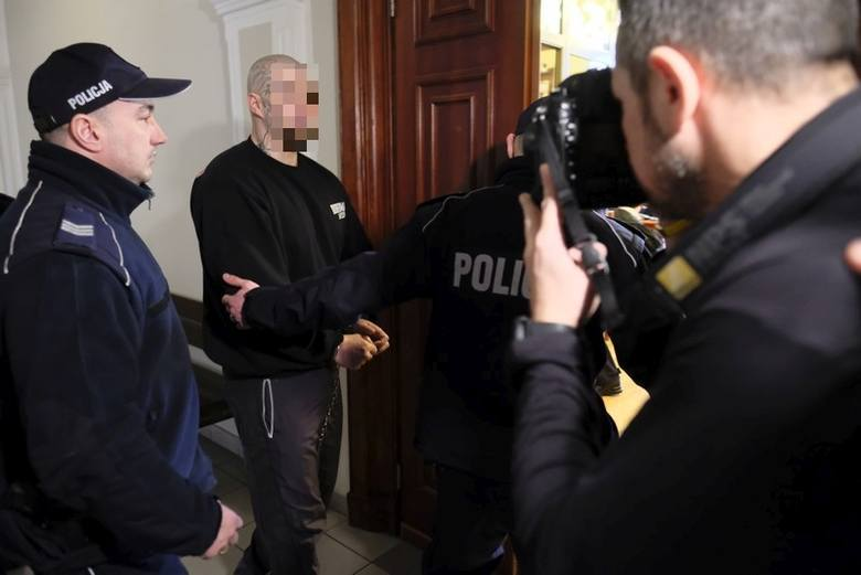 Proces w sprawie brutalnego mordu na Tatianie W. przy ul. Czarlińskiego w Toruniu dobiega końca. Wbrew zapowiedziom jednak, strony nie wygłosiły dziś