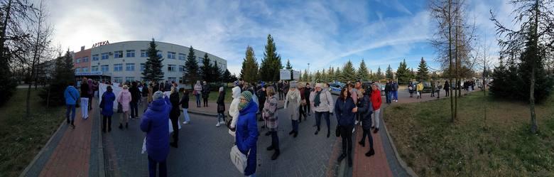 Protest przed szpitalem w Łomży