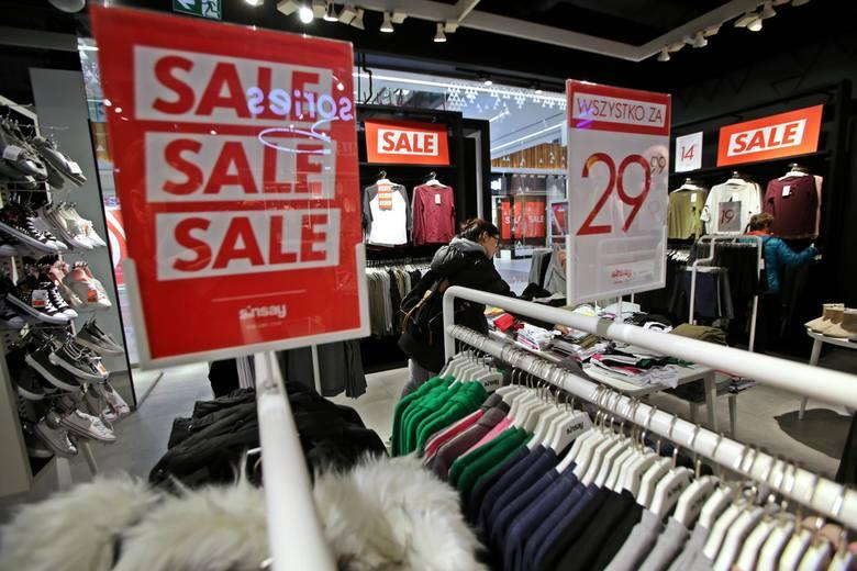Zimowe wyprzedaże w łódzkich sklepach. Wyjątkowe promocje. Ceny obniżone nawet do 70 %. Zobacz, które sklepy...