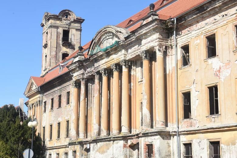 W tamtej epoce żarski dwór należał do najznamienitszych w Europie
